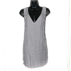 Old Navy xl gray and white striped, vneck blouse